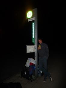 Warten auf den Bus..
